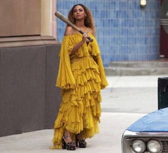 trending-beyonce-yellow-dress-beyonce-video-yellow-dress-.jpg